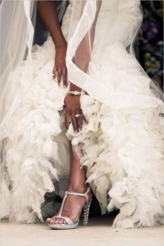 Amazing bridal look. Event Design: Michelle Durpetti Events #wchappyhour #weddingchicks http://www.weddingchicks.com/2014/06/21/wedding-chicks-happy-hour-19/