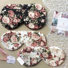 Set of 2 / Floral Black Sleep Mask, Cotton Sleep Mask, Rose Sleep Mask Sewing Crafts, Sewing Projects, Diy Crafts To Do, Diy Mask, Sleep Mask, Pajamas Women, Scrunchies, Hair Bows, Creations