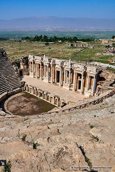 Picture of the Roman Theatre ruins of Hierapolis archaeological site. Ancient Rome, Ancient History, Greek Plays, History Of Wine, Roman Theatre, Ancient Greek Architecture, Pamukkale, Archaeological Site, Travel Images