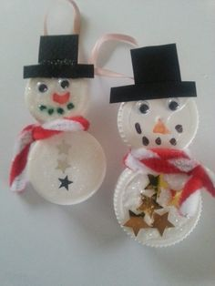 Aktiviteter for barn -Lag snømenn av korker. Diy And Crafts, Arts And Crafts, Christmas Crafts, Christmas Ornaments, Stone Painting, Snowman, Holiday Decor, Inspiration, Weddingideas