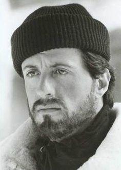 Sylvester Stallone Rocky IV- I love a man with a beard! Rocky Balboa, Sylvester Stallone, Hollywood Men, Hollywood Stars, Chuck Norris, Keanu Reeves, Kino Movie, John Rambo, Stallone Rocky
