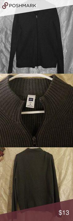 "Gap zip up sweater Gap zip up sweater Men size medium Armpit to armpit is 22"" Total length is 27"" GAP Sweaters"