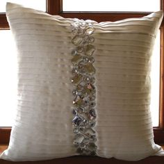 Fashionable Grey Sofas Which Underlines The All White . How To Clean Velvet Furniture: Velvet Couch Chair Care . 10 DIY Ideas Decorative Throw Pillows Cases DIY To Make. White Throw Pillows, Colorful Pillows, Decorative Pillow Covers, Throw Pillow Covers, How To Clean Velvet, Boy Room Paint, White Couches, Cool House Designs, Cushions On Sofa