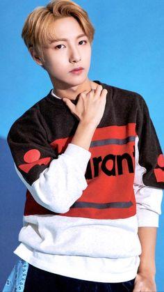 Huang Renjun has 2 crushes named Lee Jeno and Na Jaemin. Nct U Members, Nct Dream Members, Johnny Lee, Huang Renjun, Jisung Nct, Fandom, Na Jaemin, Kpop, Winwin
