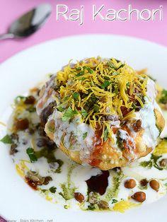 A delicious addictive Chaat recipe ~ Raj Kachori Veg Recipes, Side Recipes, Kitchen Recipes, Indian Food Recipes, Vegetarian Recipes, Cooking Recipes, Recipies, Chats Recipe, Comida India