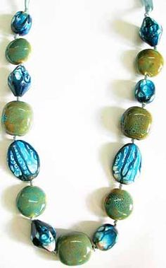Google Image Result for http://www.fashionjewelry-costumejewelry.com/images/handmade-costume-jewelry-3.jpg