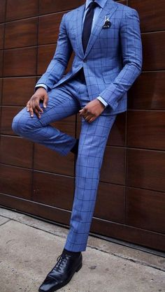 So, you are tall and dark and worried about being handsome? Well leave it to us. Check out these amazing outfits for black men. Mens Tailored Suits, Mens Suits, Best Mens Fashion, Mens Fashion Suits, Moda Blog, Designer Suits For Men, Plaid Suit, Dapper Men, Jackett