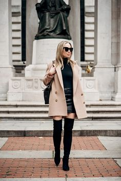Camel Coat, Black Monochromatic, Over The Knee Boots, Spring Outfit, Helena of Brooklyn Blonde Modest Winter Outfits, Winter Date Outfits, Winter Fashion Outfits, Spring Outfits, Brooklyn Blonde, Mode Outfits, Night Outfits, Vegas Outfits, Outfit Night