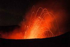 Der brennende Vulkan — Reisedepeschen