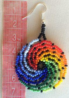 Mexican Huichol Beaded Earrings por Aramara en Etsy