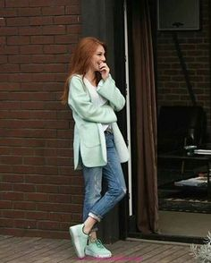 Cassidy off duty Tv Show Outfits, Sport Outfits, Casual Outfits, Cute Outfits, Fashion Outfits, Turkish Fashion, Turkish Beauty, Celebrity Outfits, Celebrity Style