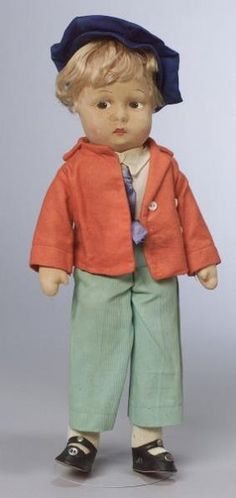 12095: Madame Alexander Cloth Oliver Twist Doll, c. 193 : Lot 12095