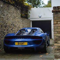 Porsche 918 Spider painted in Sapphire Blue   Photo taken by: @tfjj on Instagram