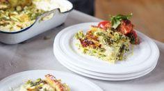 Gemüselasagne, Toskanischer Tomatensalat & Mango-Eis - Jamie Oliver - sixx Lasagne Jamie Oliver, Breakfast For Dinner, Lasagna, Good Food, Healthy Eating, Eggs, Pasta, Vegetables, Ethnic Recipes