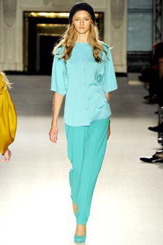 Roksanda Spring 2012 Ready-to-Wear Fashion Show - Anya Kazakova