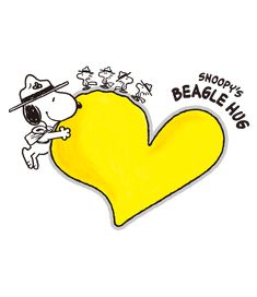 Snoopy Hug, Snoopy Beagle, Camp Snoopy, Snoopy Cartoon, Snoopy And Woodstock, Snoopy Family, Snoopy Valentine, Animated Cartoon Characters, Winnie The Pooh Quotes