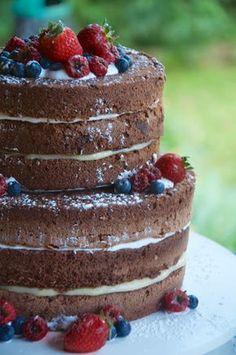Elaine Monteiro: Naked Cake