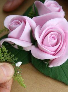 Rose tutorial #Polymer #Clay #Tutorials http://glinki.net/butonerka-iz-roz-podarok-svoimi-rukami/