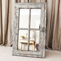 Cómo decorar tu habitación al estilo vintage Barn Door Decor, Faux Window, Shabby Chic Wall Decor, Storage Design, Old Doors, Barn Wood, Furniture Makeover, Accent Decor, Decoration