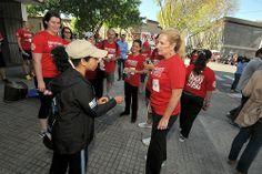 La Embajadora Julissa Reynoso, junto a sus colegas de la embajada, participó de la carrera 5K Pasaporte a la Libertad, organizada por la empresa Sabre Holdings.