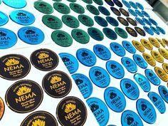 """𝐆𝐏𝐀 𝐒𝐓𝐈𝐂𝐊𝐄𝐑𝐒 στο Instagram: """"Αυτοκολλητα Σμαλτου εκτυπωμενα σε υψηλης ποιοτητας ασημι νικελ βινυλιο με μελανια #ecofriendly . Για τη Ζυθοποιεια Μανης @nemabeer ! 🔹𝑮𝑷𝑨…"""" Brewery, Stickers, Instagram, Decals"""