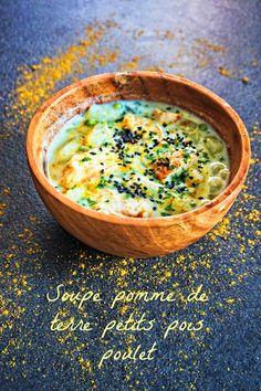 Pour les soirées d'hiver , une soupe pomme de terre poulet petits pois et un chouia de crème, pour un résultat très gourmand!
