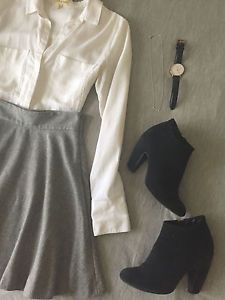 A simple grey wool skirt is a practical piece for your wardrobe that can be dressed up or down for a number of outfit options. Here are three ways you can switch up the look of a grey skirt. If you like...