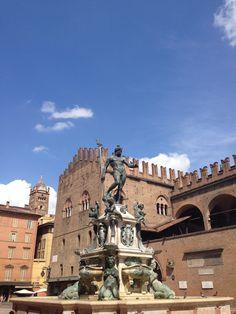 #picoftheday #Bologna #Nettuno #piazzagrande