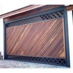 portões-de-madeira-garagem Steel Gate Design, Front Gate Design, Main Gate Design, House Gate Design, Door Gate Design, Garage Door Design, Fence Design, Metal Gates, Wooden Gates