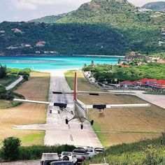 Discover our favorite St Barts Airport Landing Photos. St Barths boasts one of the shortest and most famous airport strips in the world! St Barts, Great Restaurants, Gas Station, Beach Fun, Bay Window, Landing, Cool Photos, Around The Worlds, Island