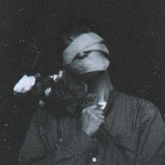 White Aesthetic, Aesthetic Grunge, Aesthetic Vintage, Aesthetic Photo, Aesthetic Pictures, Grunge Photography, Dark Photography, Black And White Photo Wall, Black Phone Wallpaper