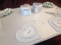 Mutluluğun anahtarı... Nişan tepsisi... Wedding Gift Boxes, Wedding Gifts, Engagement Decorations, Wedding Decorations, Engagement Ring Platter, Enagement Rings, Jewellery Boxes, Jewelry, Wedding Plates