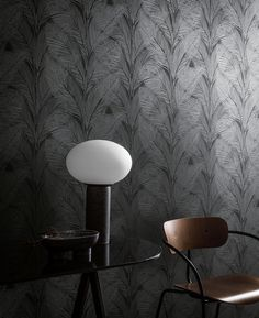 Inspired by the rich, luscious foliage of tropical jungles, Urban Jungle wallpaper is the perfect statement piece for minimalist aesthetics, it's both striking and sophisticated, making the most beautiful of backdrops for your furnishings. Grid Wallpaper, Black Wallpaper, Marimekko Wallpaper, Designers Guild Wallpaper, Cole And Son Wallpaper, Morris Wallpapers, Contemporary Interior, Stylish Interior, Contemporary Artwork