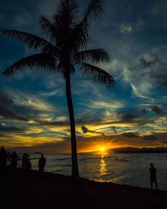 Throwback to Waikiki Beach nights. How would you rate this sunset? Beach Night, Waikiki Beach, Sunset Photography, Business Travel, Hawaii, Celestial, World, Outdoor, Instagram