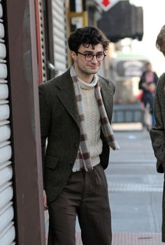 Daniel Radcliffe as Alan Ginsberg. SO cute and hipstery! I'm still in love.