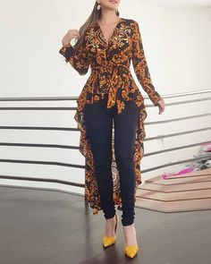Baroque Print Long Sleeve Dip Hem Blouse latest fashion apparel for you! We have dresses, tops, bottoms and swimwear for girls and ladies. Trend Fashion, Womens Fashion, Style Fashion, Mode Outfits, Trendy Outfits, Summer Outfits, Printed Blouse, Pattern Fashion, Sleeve Styles