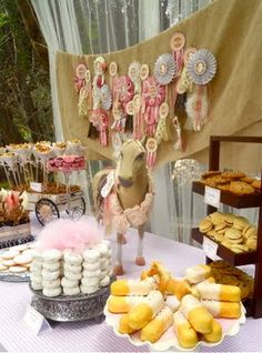 Pony Party Perfection! I think I need to turn 3 again... :D  (Oh Sugar Events has an amazing blog...I could get lost in it for daaaays!)