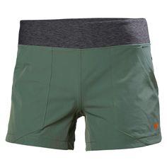 Elastisk shorts i hurtigtørkende nylon med 50+ UV-beskyttelse og kile i skrittet som gir økt bevegelighet.