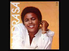 Sandra de Sá - Demônio Colorido (1980).  Enviado em 18 de set de 2010 Homenagem a minha Rainha do Soul   Álbuns de estúdio Demônio Colorido (1980) Sandra Sá (1982) Vale Tudo (1983) Sandra Sá (1984) Sandra de Sá (álbum) (1985) Sandra Sá (1986) Sandra! (1990) Lucky! (1991) D'Sá (1993) Olhos Coloridos (1994) A Lua Sabe Quem Eu Sou (1997) Eu Sempre Fui Sincero, Você Sabe Muito Bem (1998) Momentos que Marcam Demais (2000) Pare, Olhe, Escute! (2002) - Sandra de Sá traduz os sucessos da Motown…