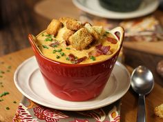 30-Minute Soups for Cold, Short Winter Days BACON-BEER -CHEESE SOUP WITH CHICKEN