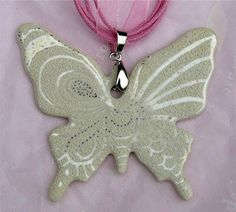 Handpainted by Fabienne Mercier Ythier 🇫🇷 on 0104 - Papillon Chikae by Bijoux de Passy Diy Jewelry, Jewelry Making, Cool Paintings, Diy Clay, Polymer Clay, Creations, Bead, Hand Painted, Artists