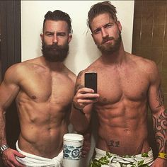 Flex Friday! Had fun with my bro @_rythesurfguy_ in the mountains NYE! #flexfriday #beard #beardlovers #abs #gentlemen #tattoos #selfie #beardedmen #beardporn #lumbersexual #picoftheday #fitfam #yeg