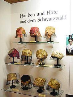 schwartzwalder trachten | Schwarzwälder Trachten im Schwarzwälder Trachtenmuseum Haslach ...
