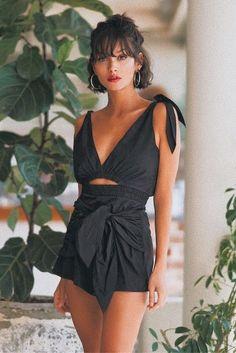 Look feminino despojado. Macacão preto. Pinterest: @giovana