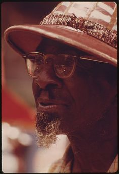 """Price Allen, The """"Peanut Man"""", A Sidewalk Vendor On Chicago's South Side, Still Picture, Photo Maps, National Archives, Black People, Cowboy Hats, Chicago, African, Sidewalk, Free"""