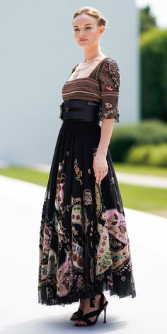 Look of the Day - Dior Dress - Ideas of Dior Dress - Kate Bosworth wore a dark floral Dior dress number to the brands Haute Couture show with her husband. Girls Fashion Clothes, Girl Fashion, Fashion Outfits, Flowery Dresses, Nice Dresses, Awesome Dresses, Dior Dress, Buy Dress, Kate Bosworth Style