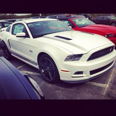 2013 California special edition mustang :) possibly my next car !!!!! <3