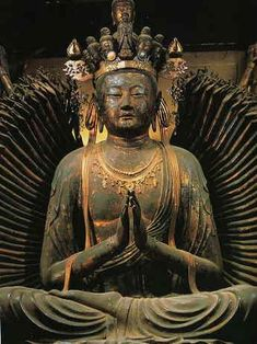 正面より Theravada Buddhism, Palace London, Om Mani Padme Hum, Buddha Zen, Buddhist Art, Many Faces, Chinese Art, Mystic, Buddha Statues