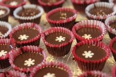Christmas Candy, Christmas Photos, Mini Cupcakes, Sweets, Chocolate, Baking, Desserts, Food, Candies