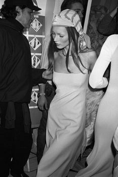 Kate Moss's Best Slip Dress Moments of All Time - Vogue Vogue Vintage, Vintage Fashion, Looks Style, Looks Cool, Kate Moss Style, Kate Moss Body, Queen Kate, 90s Fashion, Fashion Trends